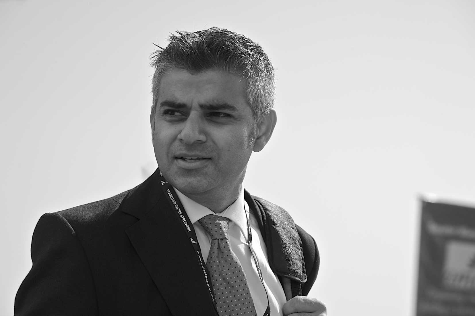 London's Gun Control Laws Didn't Work, So Mayor Moves to Knives